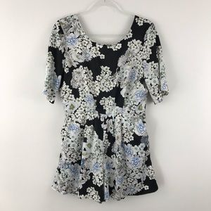 Almost Famous Large Romper Floral White blue